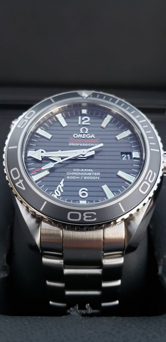Omega Seamaster Skyfall dial photo